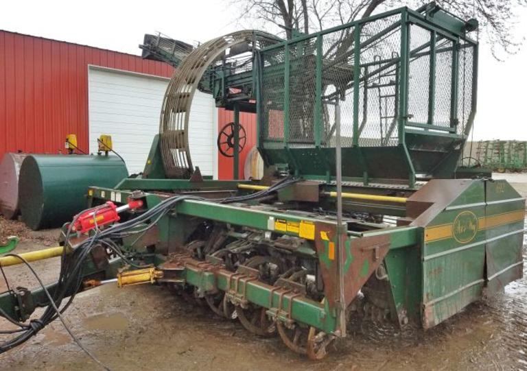 "Arts-Way 692 8-20"" Row Beet Harvester, Many of Richmond Bros. Updates and Many New Rolls"