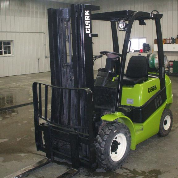 2006 Clark C25 5000 lb. Fork Truck, (6896 Hours), Pneumatic Tires, Propane 3-Stage with Side Shift