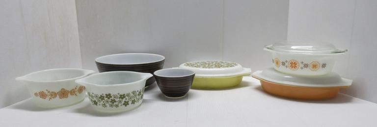 Pyrex Ware, Some with Covers