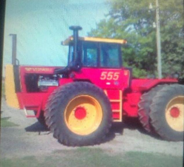 1982 Versatile 555 Tractor, (6500 Hours), 250 HP, 3-Point, PTO, Cummins 6-Cylinder, Great Condition