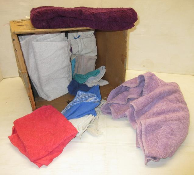 (8) Bath Towels, (6) Hand Towels, and (13) Wash Cloths