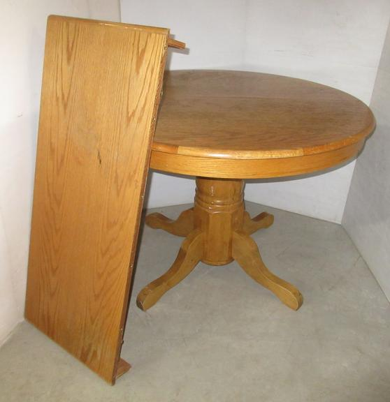 Light Oak Round Table with Leaf