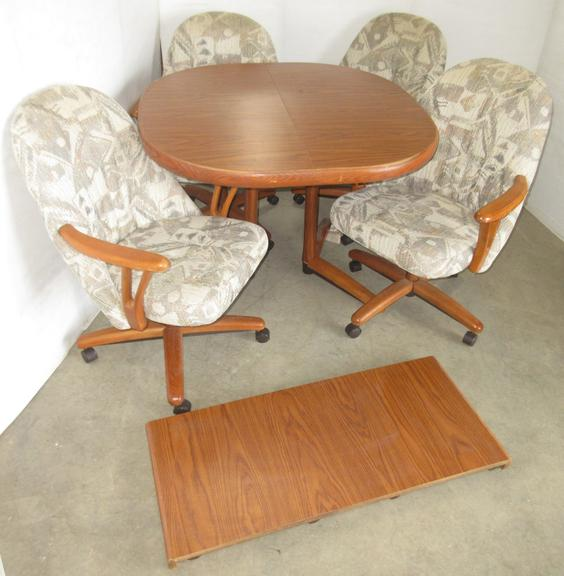Table with Leaf and (4) Chairs