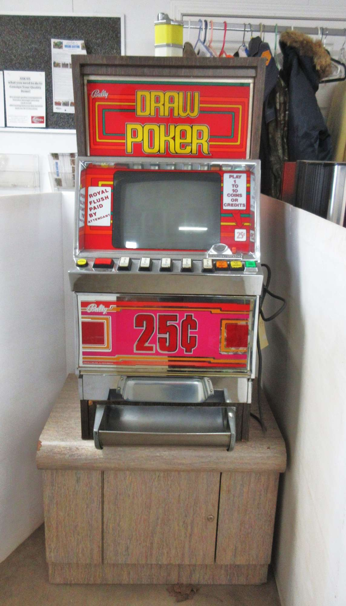 Albrecht Auctions Bally S Draw Poker Slot Machine With Stand