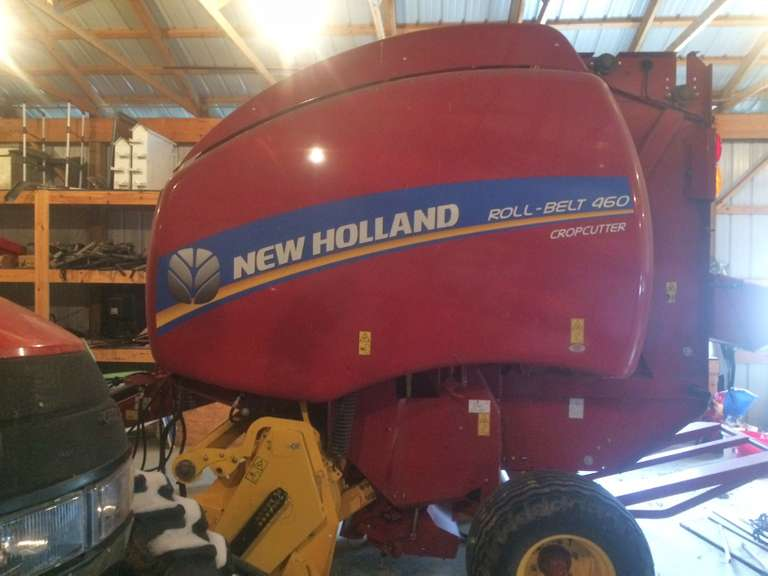 2016 New Holland 460 Round Baler, Roto Cut, All the Bells and Whistles, Only 750 Bales