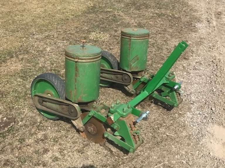 John Deere No. 71 2-Row Planter, 3-Point Hitch