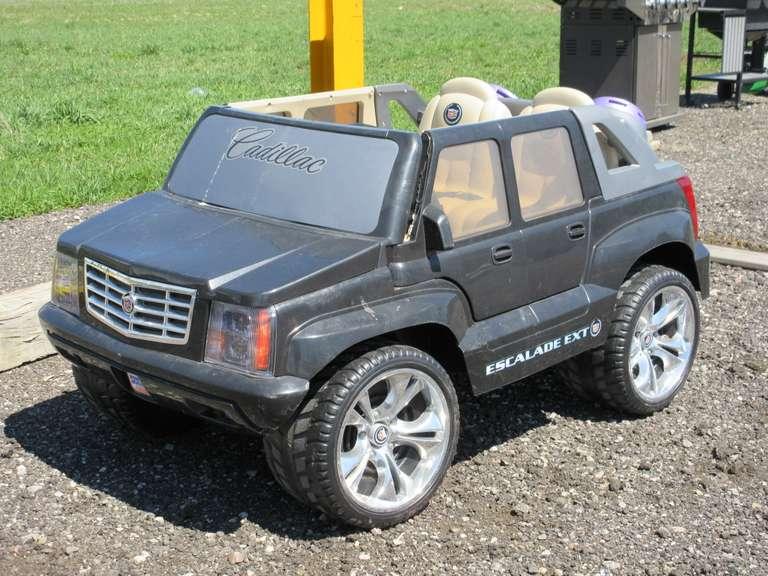 albrecht auctions cadillac escalade power wheels ride on albrecht auctions