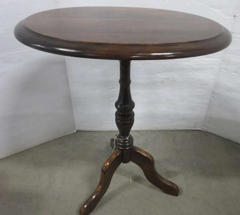 Antique Looking Tilt-Top Table, Oval Top, Table Top Tilts Up to Put Against Wall for Storage
