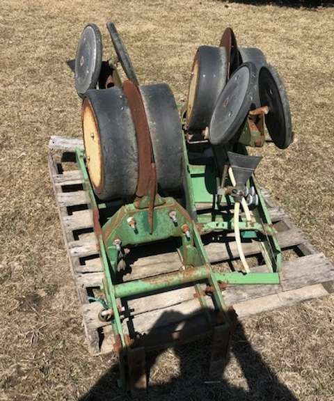 (2)-John Deere 7000 Planter Units, For Parts