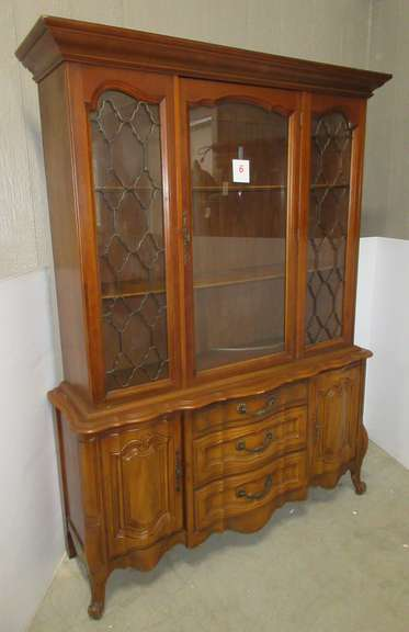 China Cabinet, Matches Lot No. 7