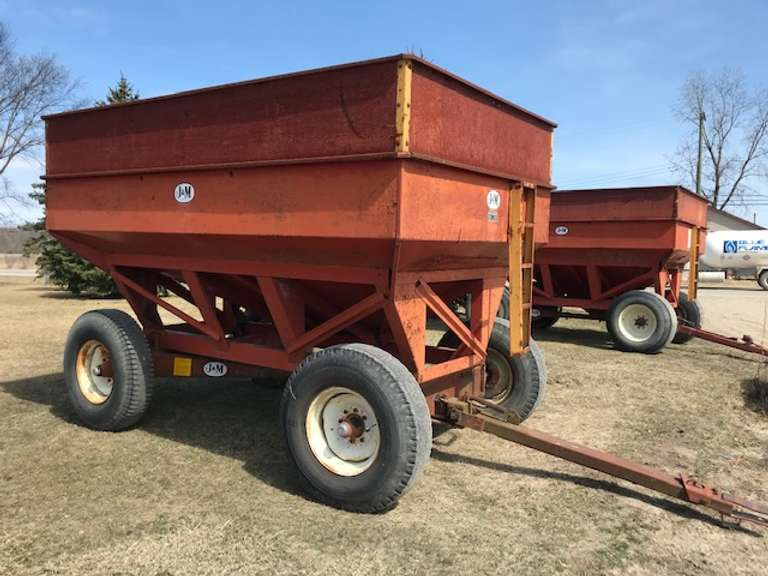 J&M 350-20 Gravity Wagon, 10.00-20 Tires, Original Paint, Very Good