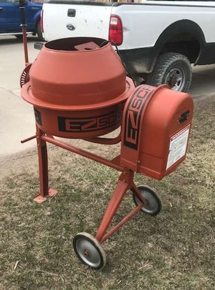 EZ Screed 100 Electric Concrete Mixer, Like New