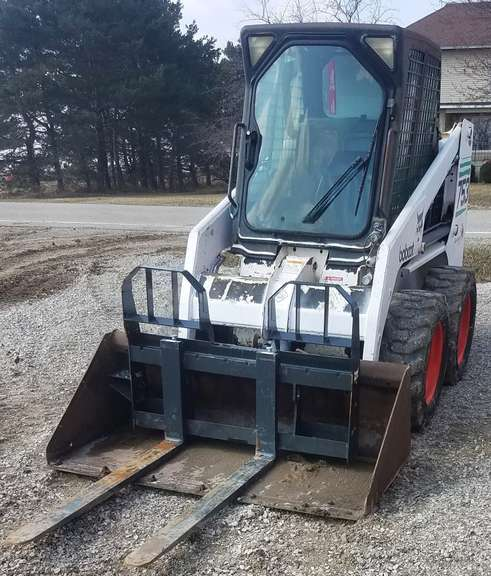 2001 Bobcat 735 Skid Steer, (2100 Hours), Nice Condition