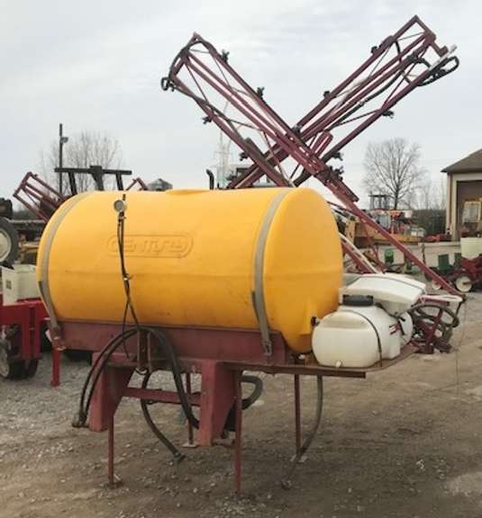Century 300-Gallon Sprayer, Hydraulic Drive Pump, 45' Boom, Foam Markers
