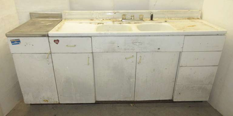 Albrecht Auctions | Older Metal Kitchen Cabinets with Sink