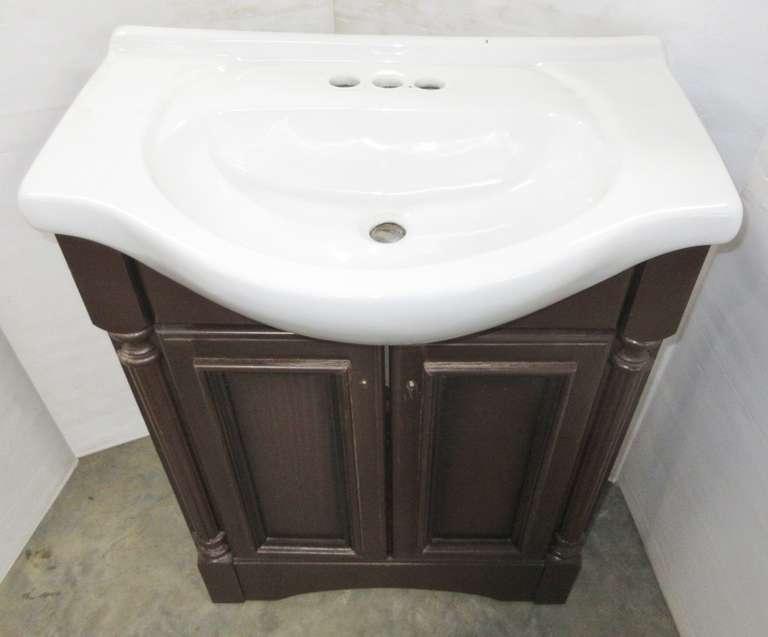 Albrecht Auctions Bathroom Vanity With Sink