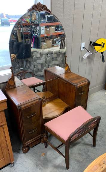 Antique Waterfall Dressing Table with Mirror and Bench, Front Middle Drawer has Bakelite Knobs