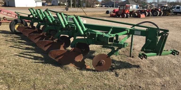 "John Deere 2500 5-18"" Bottom Plow, Spring Reset, Good Coulters and Bottoms"
