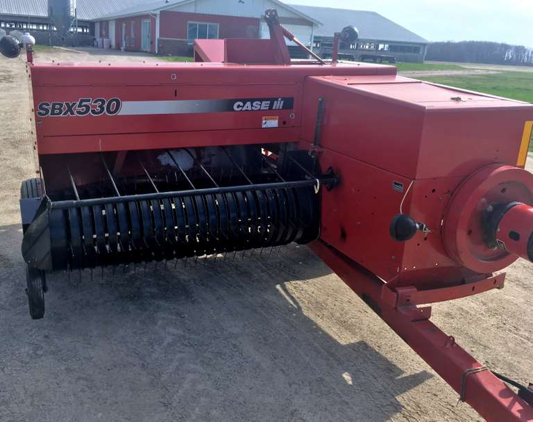 Case SPX530 Square Baler, Low Use, Hydraulic Tongue
