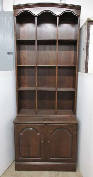 Ethan Allen Two-Piece Hutch