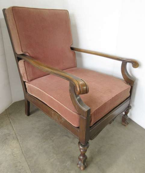 Antique Arm Chair with Claw Type Feet