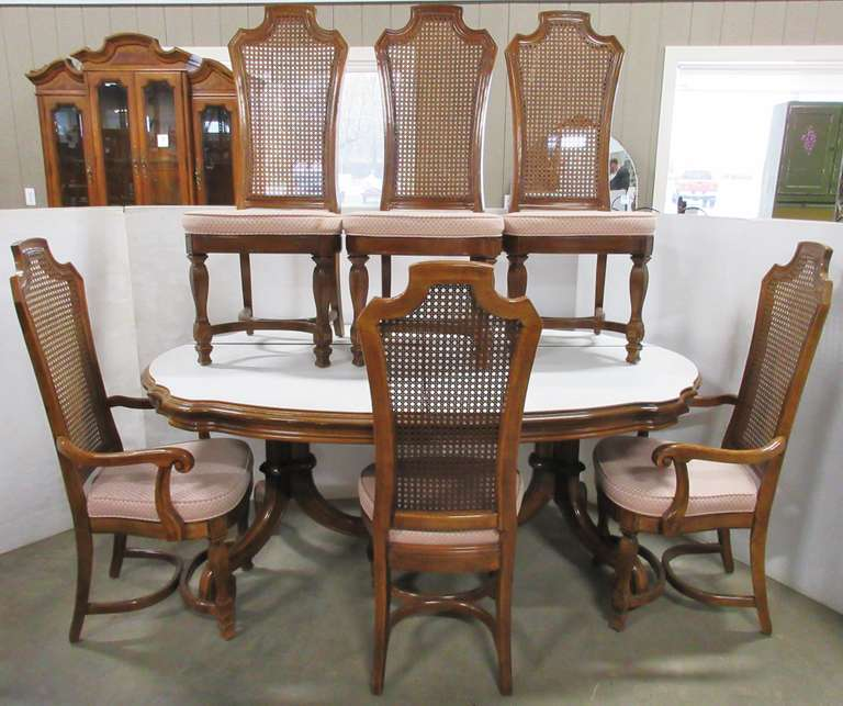 Thomasville Dining Room Table with (6) Chairs, (2) Leaves, and Table Cover, Matches Lot No. 7