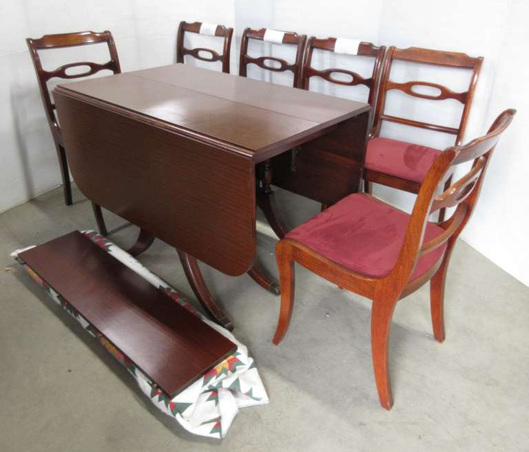 Kitchen Table with (4) Leaves and (6) Chairs