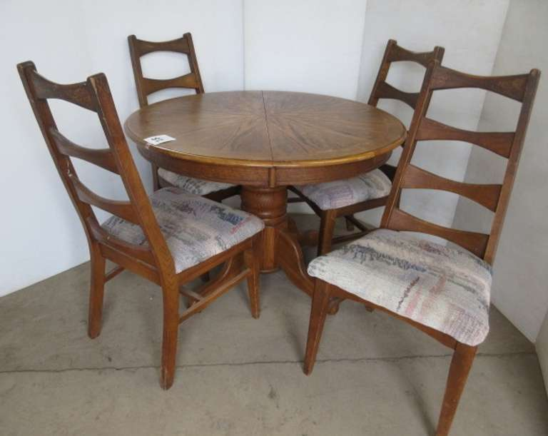Dining Table and (4) Chairs
