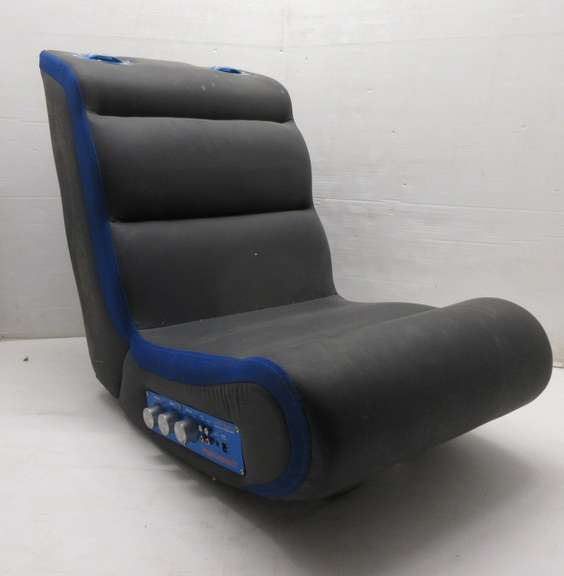 Awe Inspiring Albrecht Auctions Pyramat Pm220 Sound Rocker Gaming Chair Caraccident5 Cool Chair Designs And Ideas Caraccident5Info