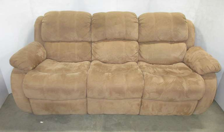Brown Couch with Reclining Ends, Matches Lot No. 25