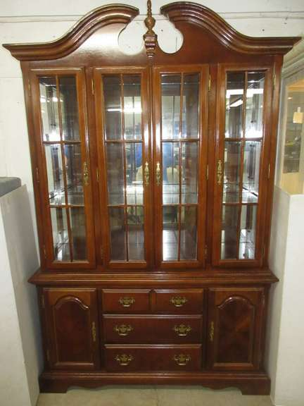 Two-Piece China Cabinet/Hutch, Shelves Can be Removed, Top is Not Attached