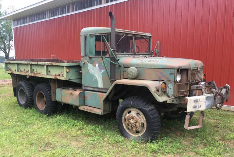 Army Truck, M35A2 2 1/2 Ton 6x6 with Hardtop, Winch, Does NOT Run, Injection Pump and #1 Injector Removed from Engine (Parts are in the Cab), No Title