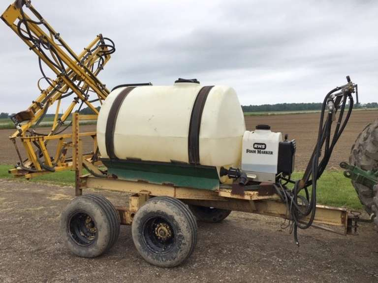 500-Gallon Pull-Behind Sprayer, 40' Boom, Manual Unfold, No Pump or Tips