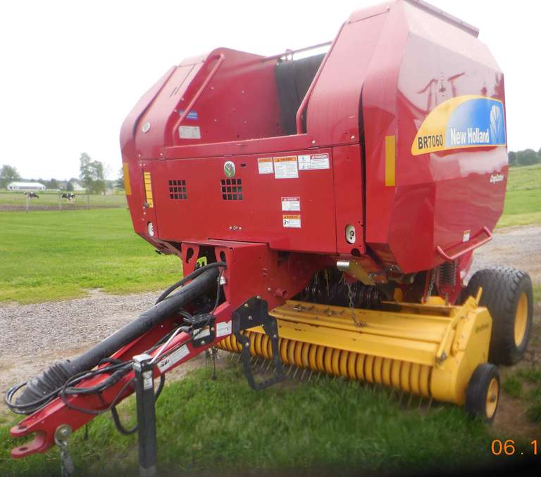 2014 New Holland 7060 Round Baler, (6878 Bales), Rotocut, Silage Special, New Knives