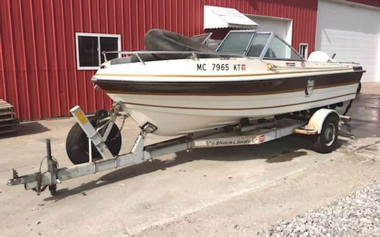 1978 Thompson 18 1/2' Fiberglass Boat with 1988 ShoreLand'r Easy Load Trailer, 115 HP, V4 Johnson Outboard, Runs Well, Title for Boat