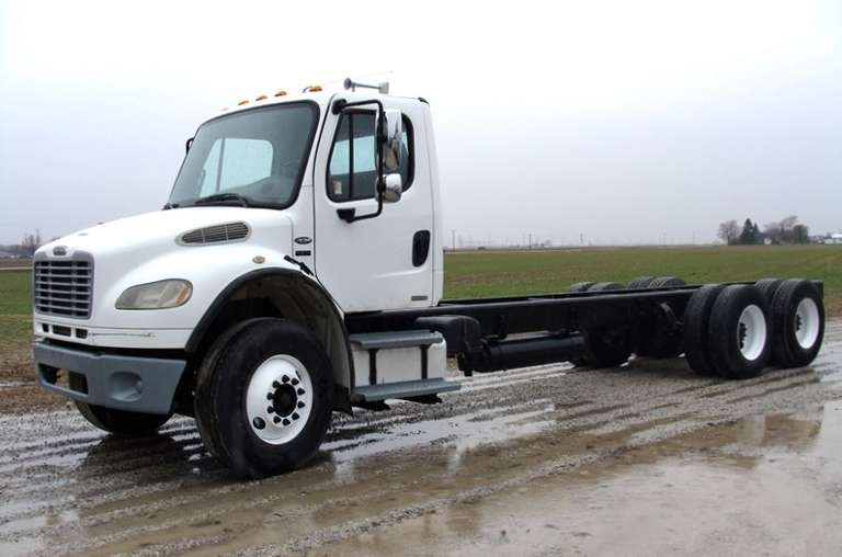 2005 Freightliner M2 Cab and Chassis, (370,000 Miles), VIN:  1FVHCYCS75HU08028, Mercedes Engine, Eaton 8LL, Air Ride, FA14,600, RA 40,000.  Runs, Drives and Operates as it Should, Clean and Clear Title