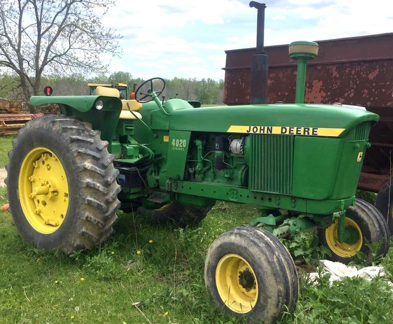 John Deere 4020 Tractor, New Battery 2018, Used on Small Farm to Make Hay for the Last Several Years, Very Fuel Efficient, Nice Paint, Looks Very Good, Runs Well
