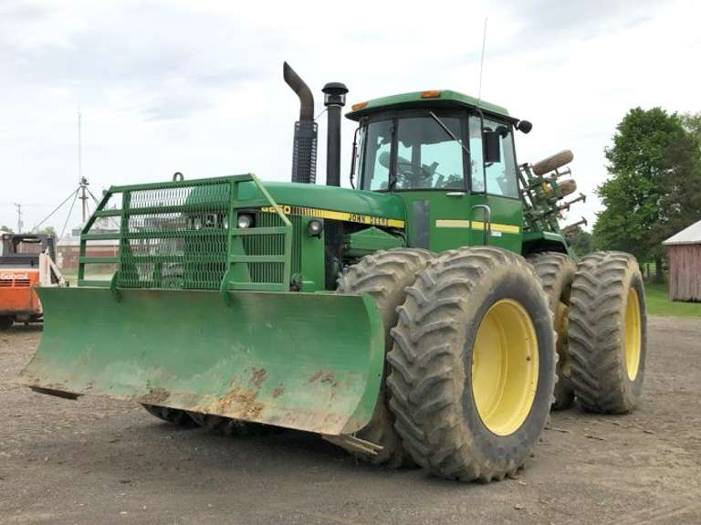 John Deere 8650 Tractor with Front Blade, Low Hours, 4-Hydraulic Outlets, 12 John Deere Front