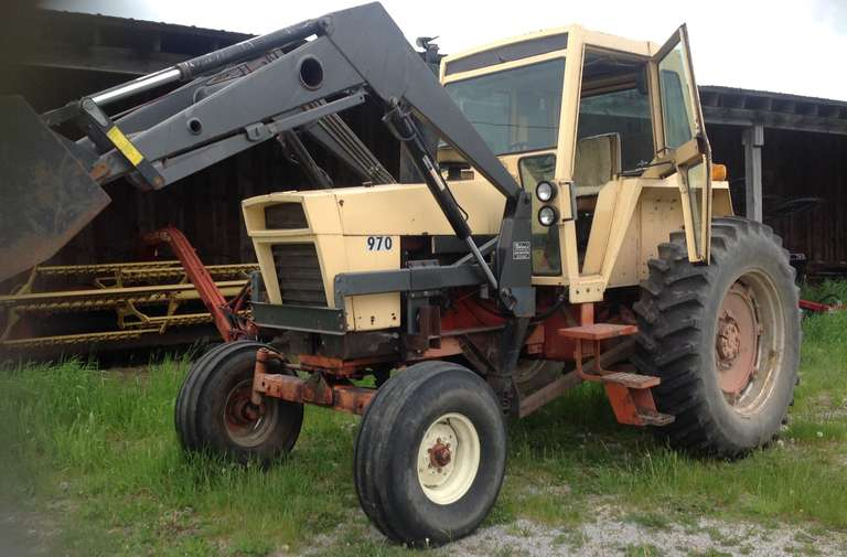 1971 Case 970 Farm Tractor with Loader, (Approx. 9000 Hours), Loader is Approx. 10-15 Years Old, But Hardly Used, No Welds or Breaks, Tractor Burns No Oil, Overhauled Five Years Ago, Runs Well