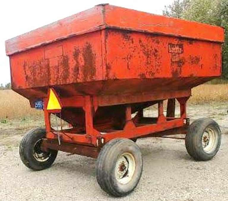 250-Bushel Gravity Wagon