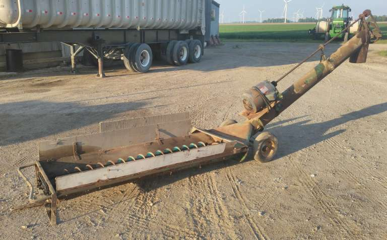 "Jump Hopper 8"" Auger, Runs with 5HP 220V 3-Phase Motor, but Could be Converted to Hydraulic, Housed, Ran Well when Last Used in 2002, Just Ran it to Make Sure Everything Still Works"