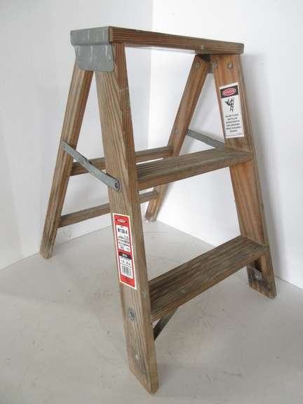 Tremendous Albrecht Auctions Small Three Step Wood Step Ladder Pabps2019 Chair Design Images Pabps2019Com