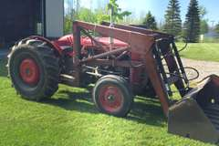 Albrecht Auctions | Massey-Ferguson 35 Gas Tractor with