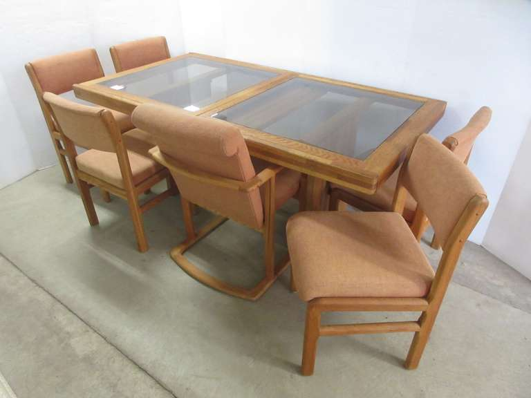 Late 1970s/Early 1980s Dining Set, Possibly Oak, Sits Six, Expands to Fit Eight