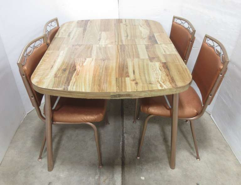 Albrecht Auctions Retro Dining Table And 4 Chairs Rose Gold With Brushed Nickel Accents