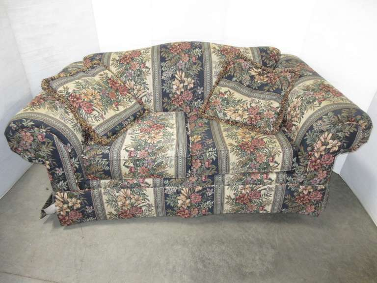 Loveseat with (2) Throw Pillows, Matches Lot No. 49