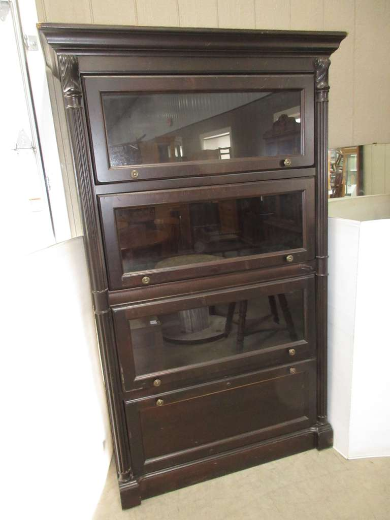 Dark Wood China Cabinet with Three Shelves and Drawer