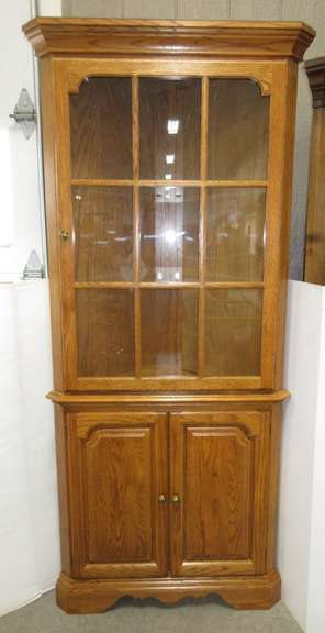 Lighted Oak Corner Unit with Glass Cabinet Top Doors with Two Shelves and Solid Bottom Doors with Two Shelves