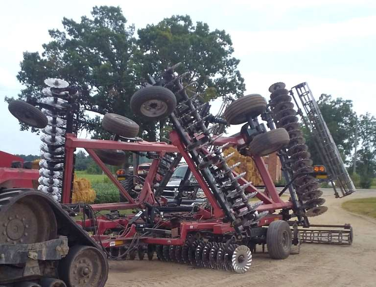 2009 Case 34' International Harvester 330 Turbo Till, All New Blades and Bearings in Summer 2018, Many New and Used Bearings and Parts, Great Tool for Cover Crop