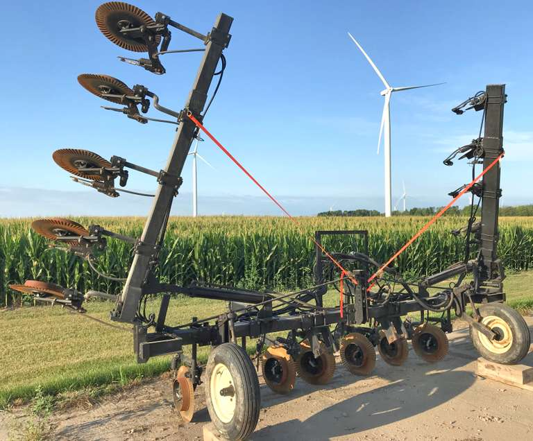 "Nitrogen Applicator, 16-22"" Row with 17-Units, Newer Yetter Units Around 800 Acres on Them, All Stainless Tips with Stainless Distribution Block"